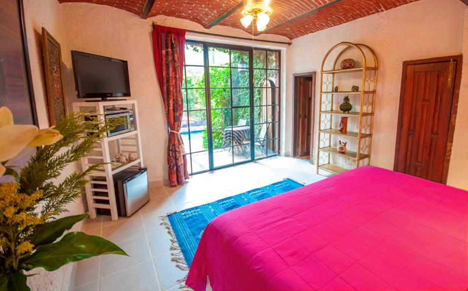Bugambilias_4_Casa_Flores_Ajijic_BB_Hotel